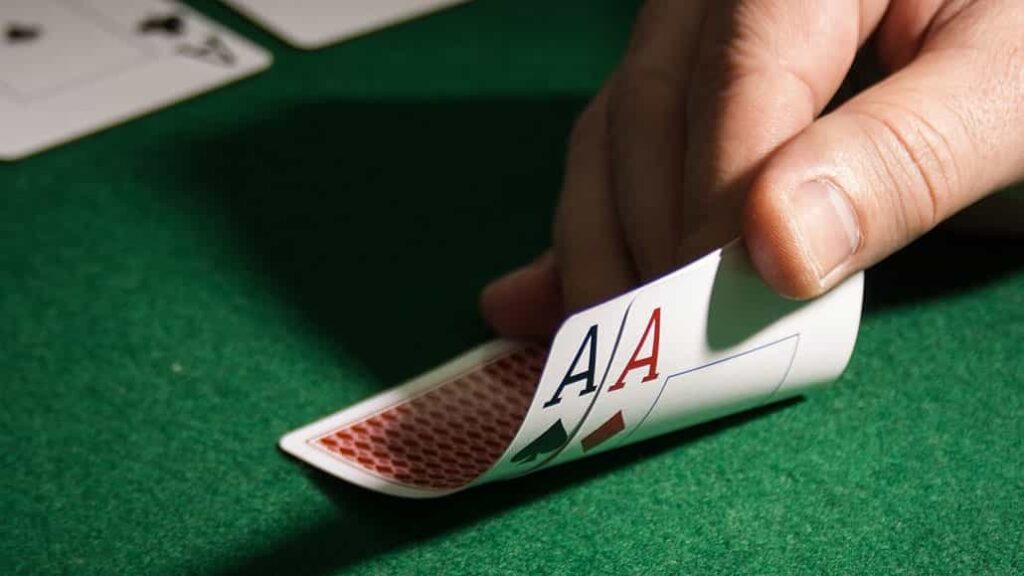 How Poker Players Can Avoid
